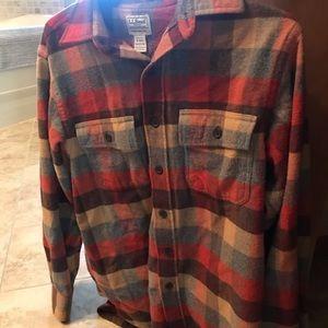Men's LL Bean flannel. Size small regular.